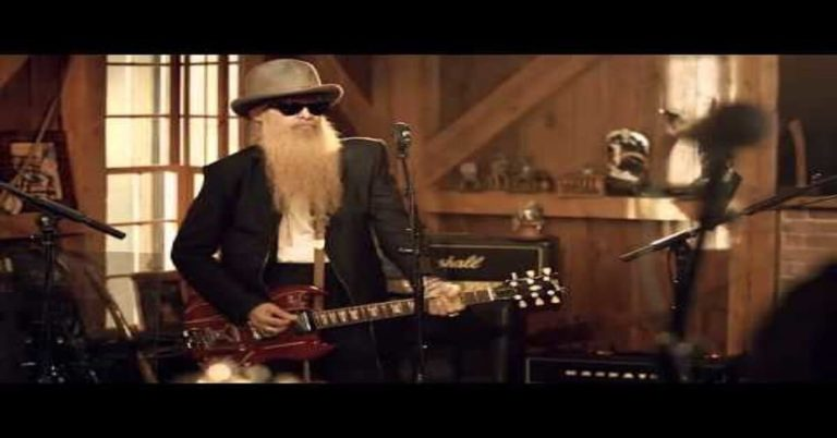 La Grange by Billy Gibbons (Live From Daryl's House)