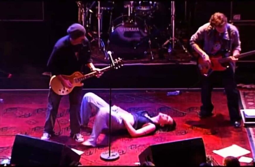 Am I The One by Beth Hart (Live At Paradiso)