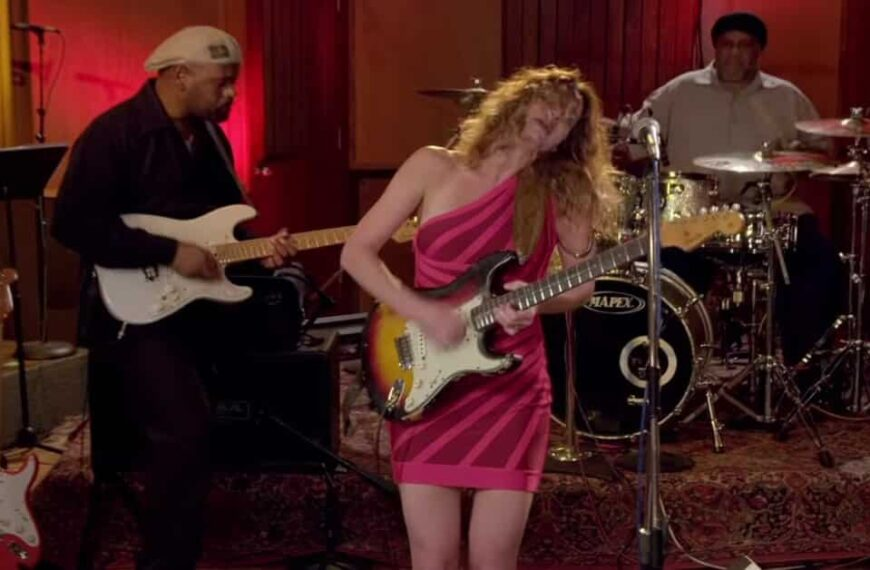 Can't You See What You're Doing To Me by Ana Popovic (Live)