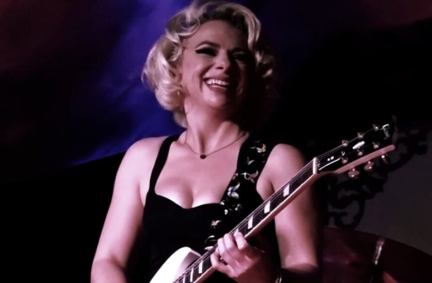I Put A Spell On You by Samantha Fish (Live, 2020)